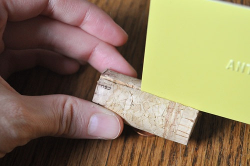 Good tips on how to make the perfect wine cork place card holders