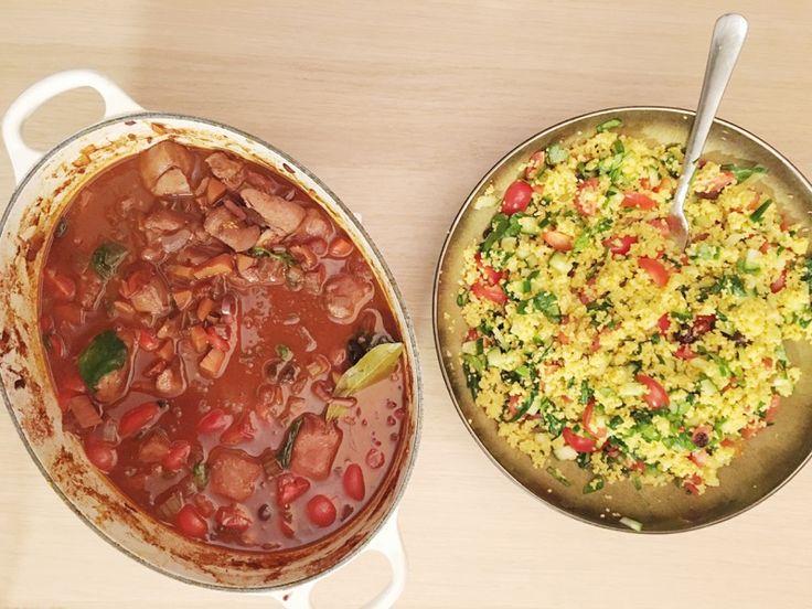 Kruidige winterse stoofpot met kip, tomaten en rode wijn