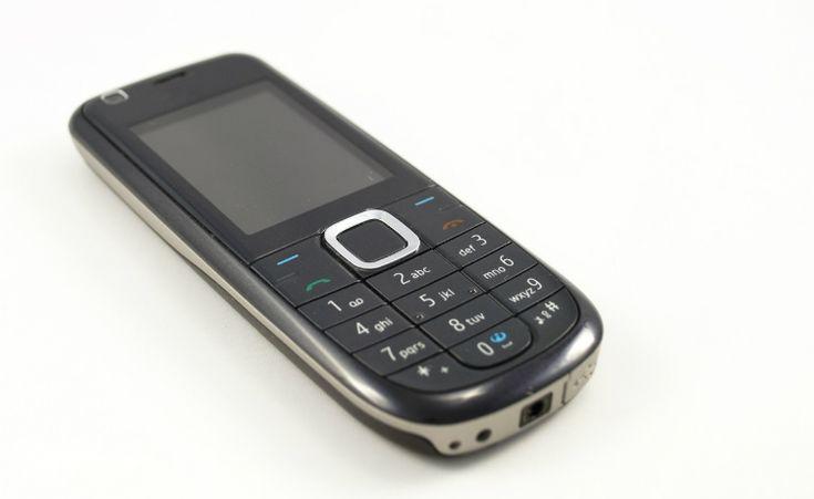 O que fazer com o aparelho de celular antigo? rs. Não venda ou descarte, talvez um dia ele esteja num museu.