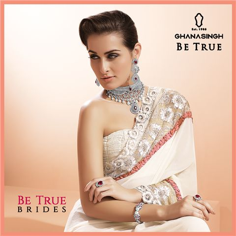 True Bridal Grace: #BeTrueBrides choose light colours for their bridal attire & adorn in a contrast of sparkling Diamond necklace sets.