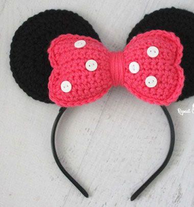 Crochet Minnie mouse ears headband // Horgolt Minnie egér fül jelmez (ingyenes horgolásminta) // Mindy - craft tutorial collection // #crafts #DIY #craftTutorial #tutorial #DIYClothesForKids