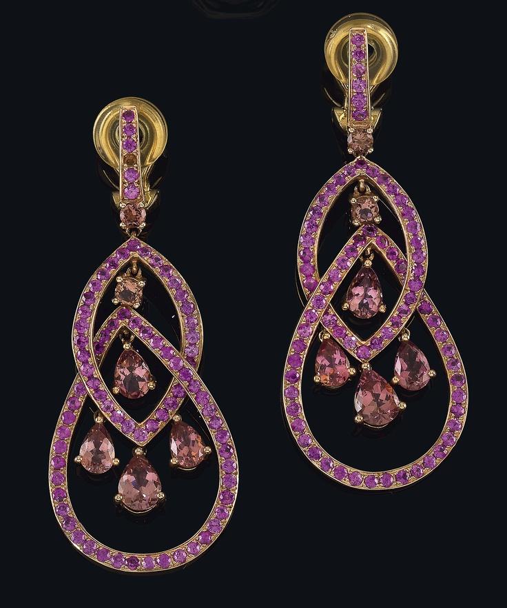 Vintage pair of tourmaline ear pendants, rosé gold 750, tourmalines some of tear cut, 16,1 g