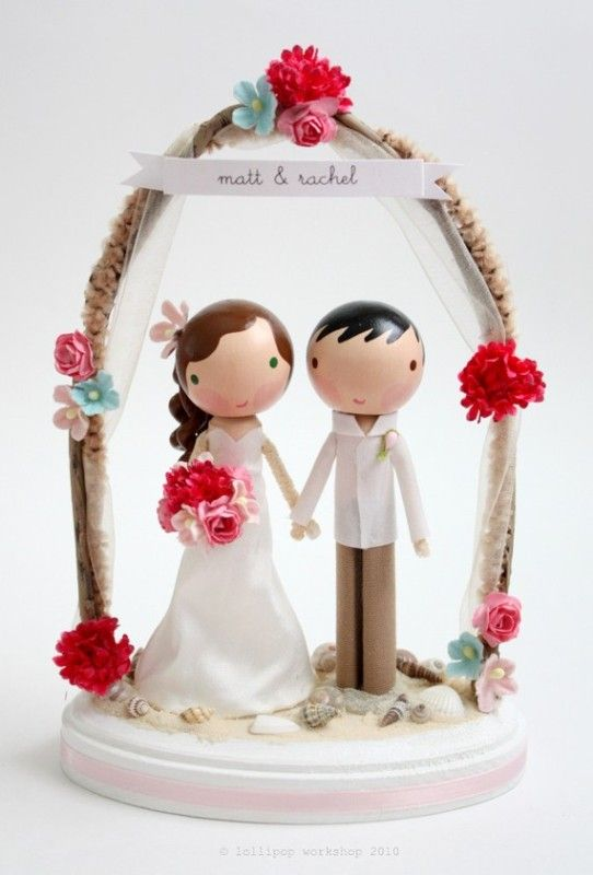 Best 25 unique wedding cake toppers ideas on pinterest wedding 35 unique wedding cake toppers weddingomania junglespirit Image collections