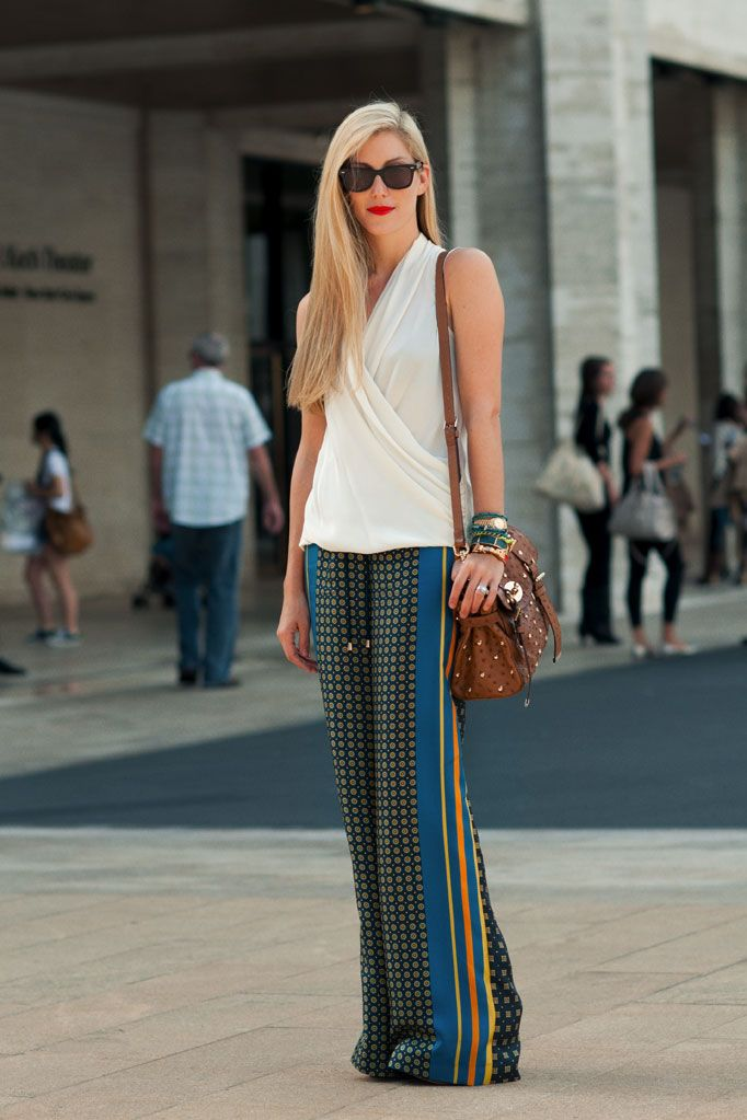 Boho chic.: Prints Pants, Silk Pants, Fashion Week, Tommy Hilfiger, Street Styles, Wide Leggings Trousers, Pajamas Pants, Circuit Workout, Summer Trends