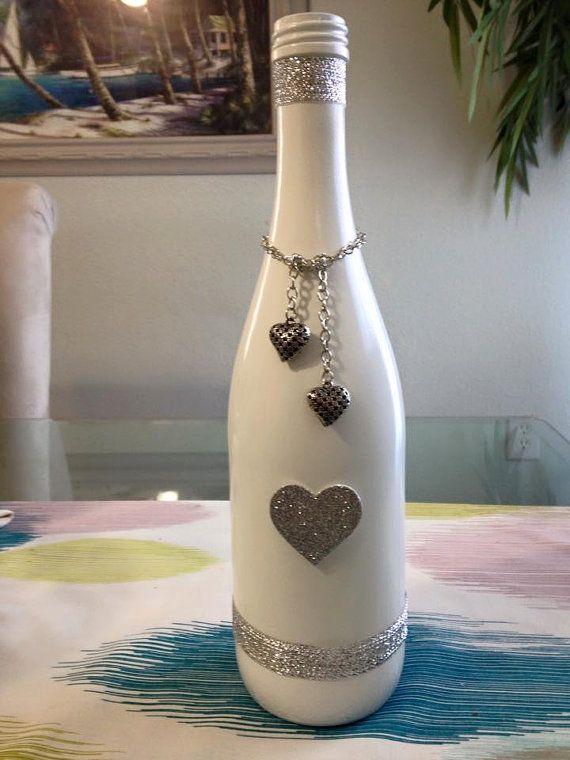 Painted decorated wine bottles di SSHobbyist su Etsy