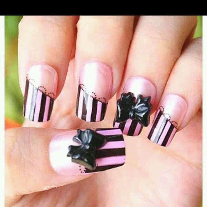 3 D nail
