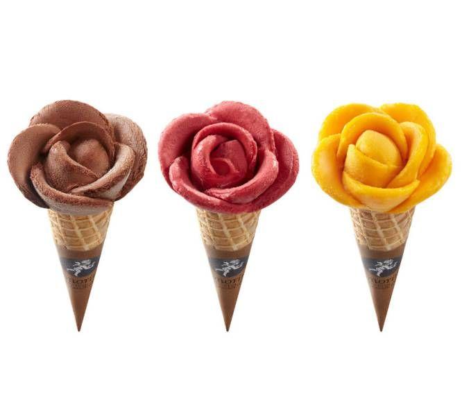 Esta famosa franquicia italiana de heladerías tiene la particularidad de que su sede está en Francia, más concretamete en Orly. Además de profesar el clasicismo heladero, Amorino se adapta a los nuevos tiempos (a.k.a. consumidores) con llamadas a quienes se preocupan por el producto bio y los que optan por el veganismo. Tienen 'boutiques' (así llaman ellos muy coquetamente a sus tiendas) repartidas por medio mundo, y son famosos por sus helados servidos en forma de flor: la exquisita Rosa…