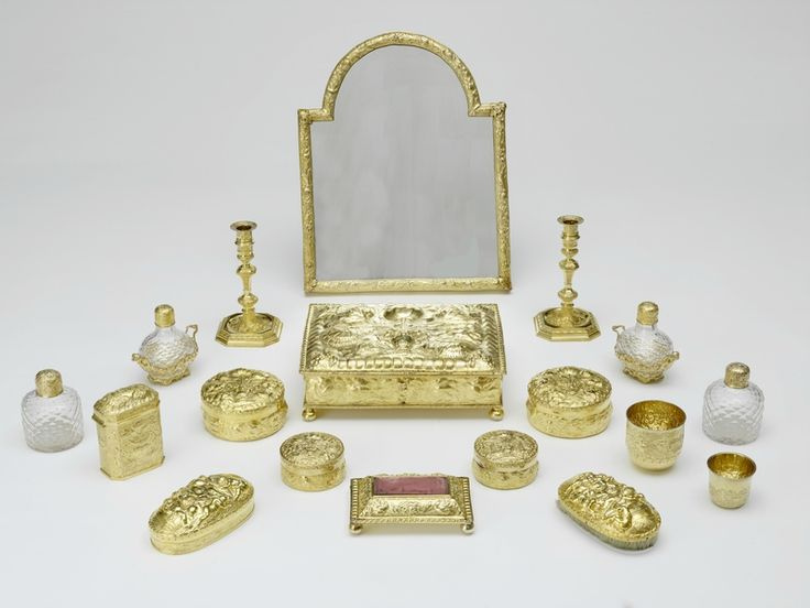 Edward Farrell, Toilet service. Box of purplewood, rosewood, stained wood and gilt bronze with velvet lining. Toilet service of silver gilt and glass; hallmarks 1699-1824. Courtesy Royal Collection Trust (C) Her Majesty Queen Elizabeth II 2013
