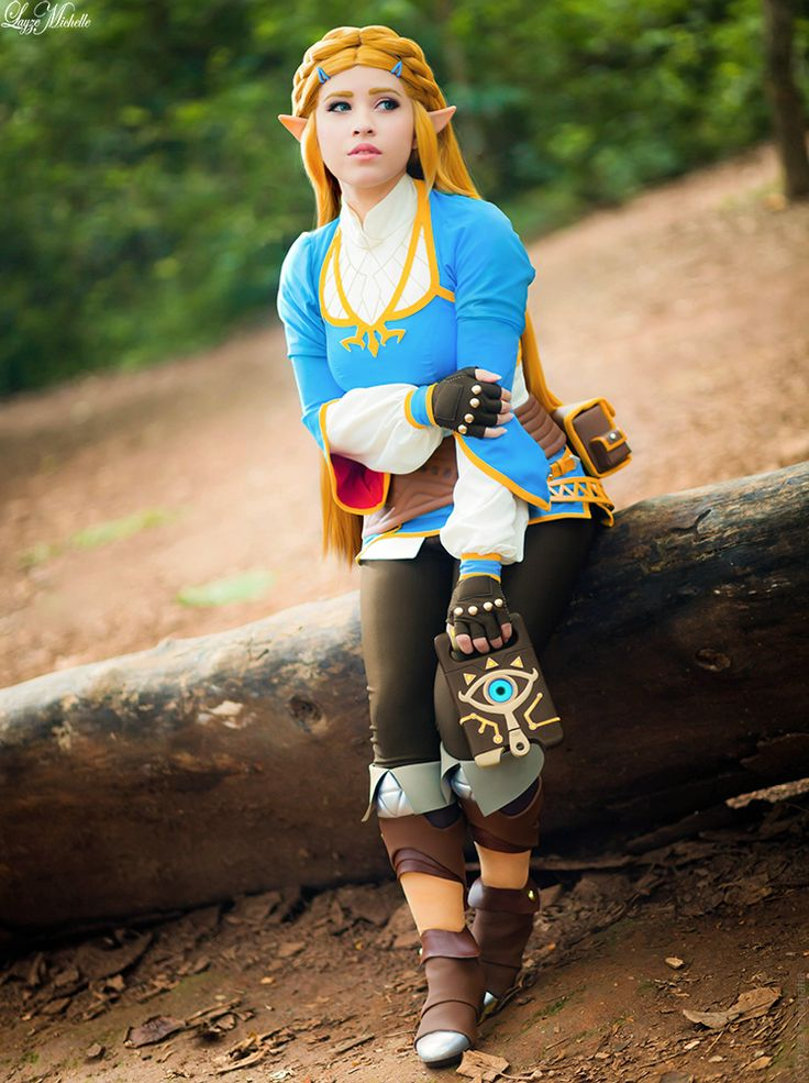 Princess Zelda Cosplay Walked Straight Out Of Breath Of