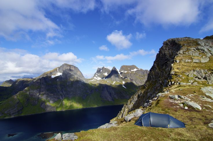 #FjellheimenSuperLightCamp with a view over #Lofoten! Photo: Stian Aadland.