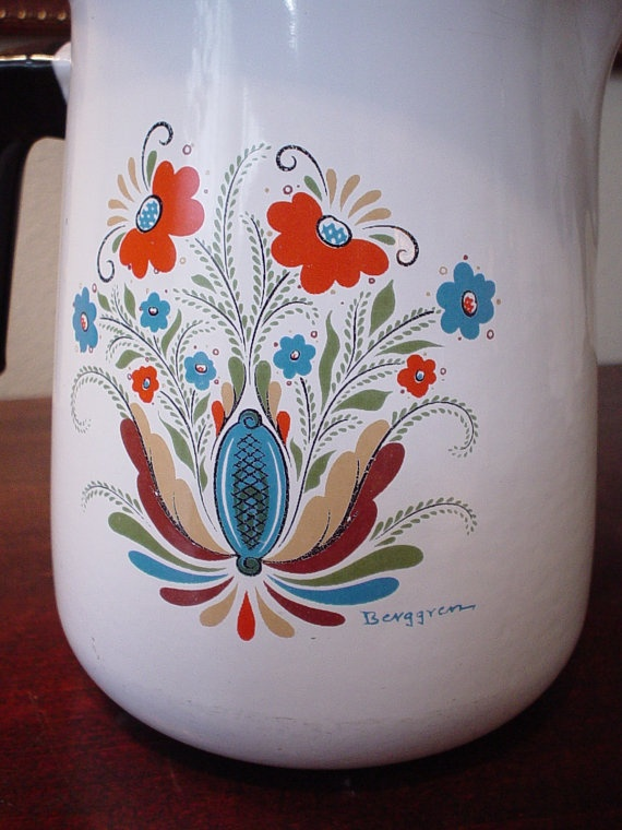 Have always loved these Berggren folk artsy enamel coffee/tea pots.. Been pondering them for a few days as inspiration for jewelry bead color schemes.. Hit me this second that not only would the colors be neat duplicated in jewelry but the design of this particular pot inspires any number of ideas, too....