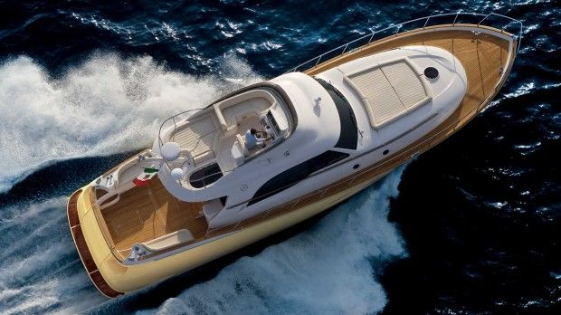 Mochi Craft Dolphin 54' Fly Exterior #theyachtownernet