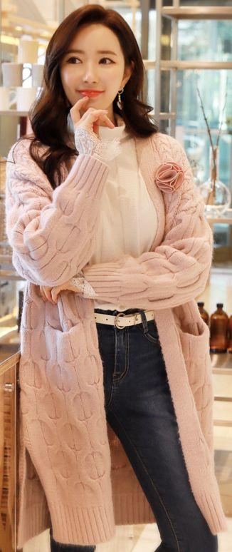 StyleOnme_Pink Twin Pocket Long Cardigan #pink #long #cardigan #koreanfashion #kstyle #kfashion #dailylook #seoul