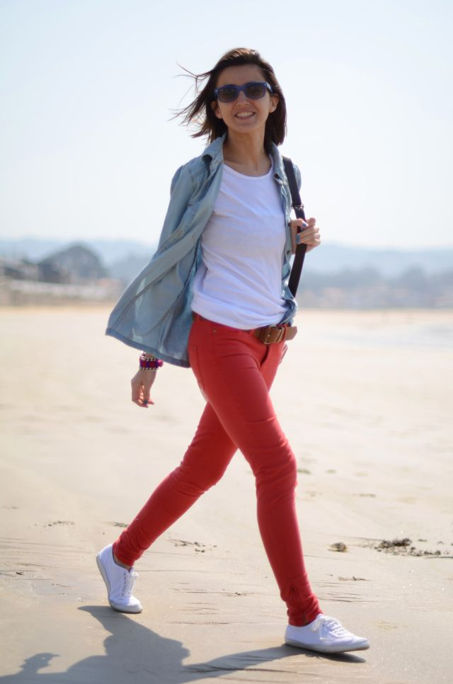 Basic Outfit Red Jeans