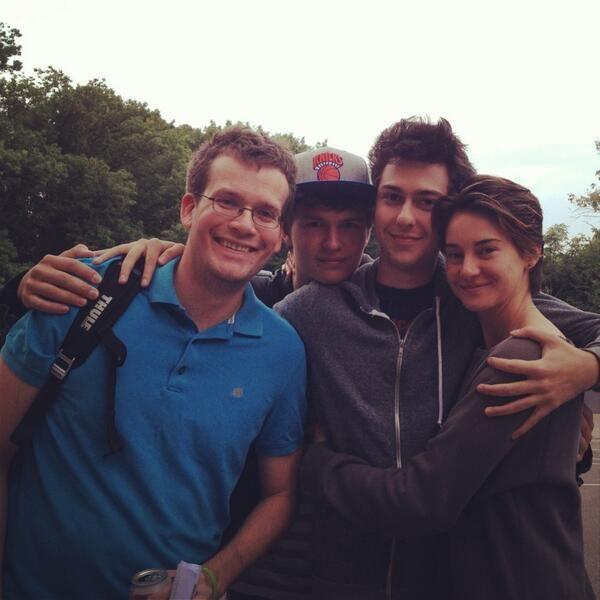 John Green, Nat Wolff, Ansel Elgort and Shailene Woodley on the TFiOS set.