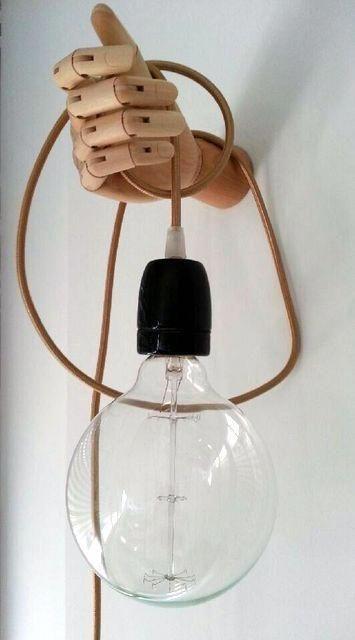 Wandlamp van houten hand #DiyWoodCrate