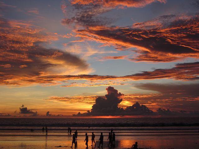 Закат на о. Бали. Пляж Кута.