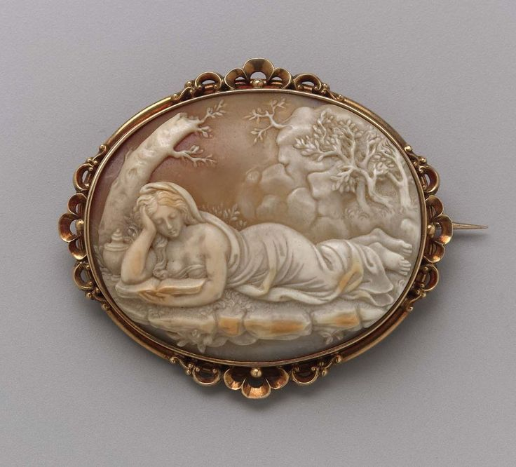 Brooch Late 19th Century Gold And Shell Camafeos