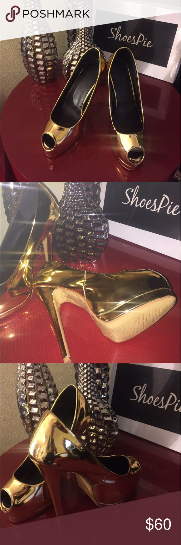 pumps gold shoes brand 👠 shoes pie:)  the original price is $90 never used is size 6 best offer Shoes Platforms
