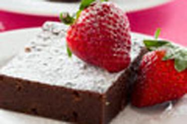 Chocolate fruit mince slice