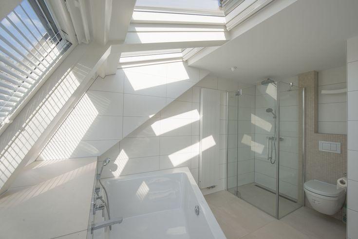 ramen als plafond, boven je bad!