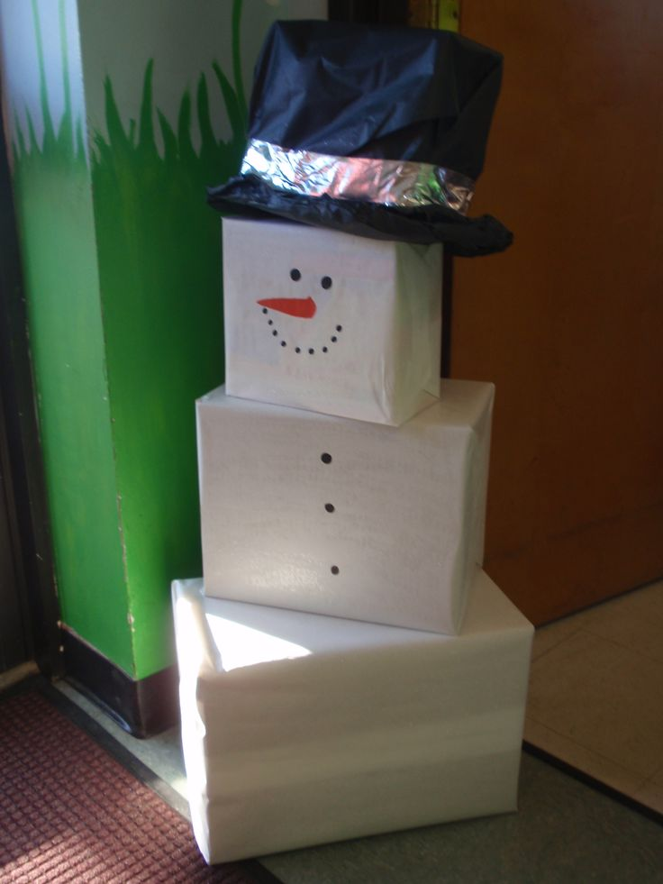 Diy Snowman Holiday Decor Made W Boxes And Wrapping