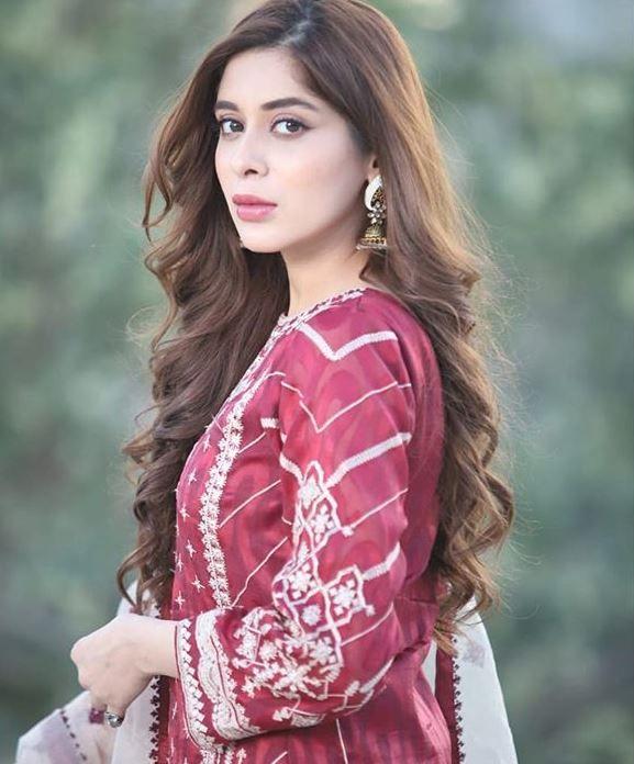 Azekah Daniel Dramas List Stylish Actresses Pakistani Models Pakistani Wedding Outfits