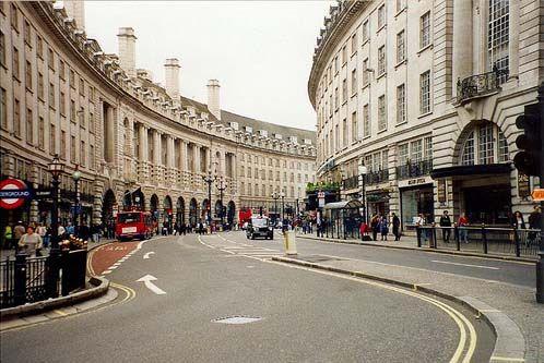 londonBuckets Lists, Destinations Bucketlist, London Street, Favorite Places, Regentstreet, London Bound, London Call, Regent Street, Bucketlist Destinations