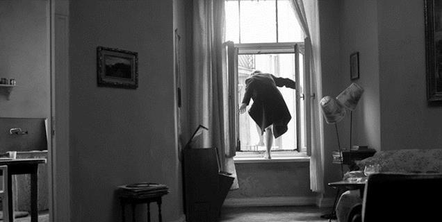 """""""Ida""""- Outra aula de fotografia, tanto de enquadramento como de iluminação. Os tons de cinza alcançados no filme são surreais.  (Esse plano até dói de tão bonito)"""