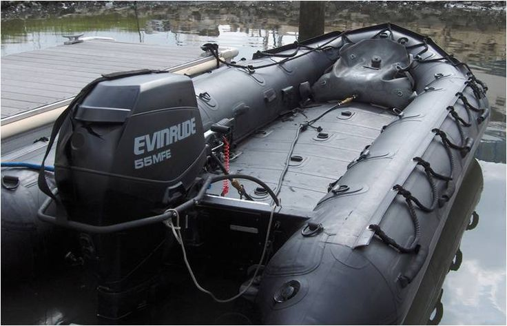 ... technology enables Zodiac Milpro™ to launch the FC 470™ EVOL7. This boat have been specially made for HeliDrop / AirDrop and Underwater caché operations ...