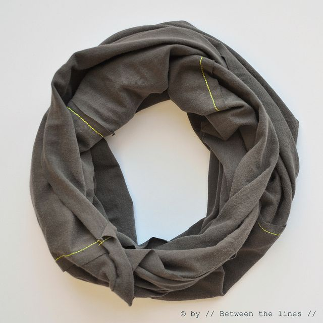 Dear hubby's closet: I'm coming for you!   // Between the lines //: DIY infinity scarf :: a tutorial