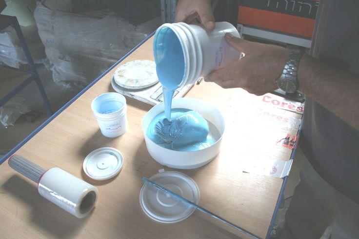 Coresil 35 è una gomma siliconica per stampi morbidi a bassa lacerazione. Lo stampo risulta rigenerabile grazie alla possibilità di reintegrare la superficie distaccante lacerata o tagliata dai ripetuti distacchi, con una riapplicazione a pennello di nuova gomma liquida. Continue reading →