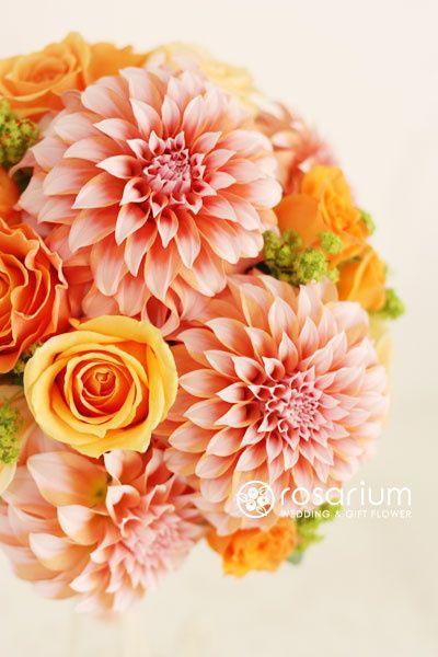 ロザリウム(Rosarium)  ダリアとバラのラウンドブーケ