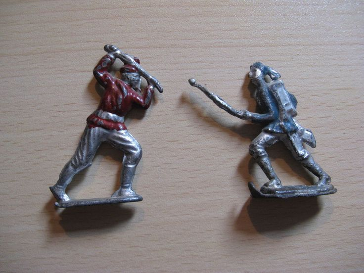 Two American antique tin soldiers (North - South)? from about 1920 ... #Tinsoldiers