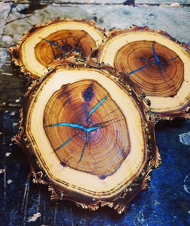 .Coasters made from fallen hardwood. The cracks are filled with dyed epoxy. The photo doesn't capture the turquoise pop. Highlighting the natural cracks turned out nice.// ,#wood ,#woodworking ,#woodburning ,#woodturning ,#pyrography ,#palletwood ,#pallet ,#recycle ,#relic ,#repurpose ,#reclaimed ,#distillery ,#brewery ,#whiskey ,#wine ,#spirits ,#cowboy ,#cowgirl ,#country ,#countryliving ,#craftsmanship ,#joinery ,#western ,#workshop ,#winetasting ,#upcycle ,#moscowmule ,#torquoise