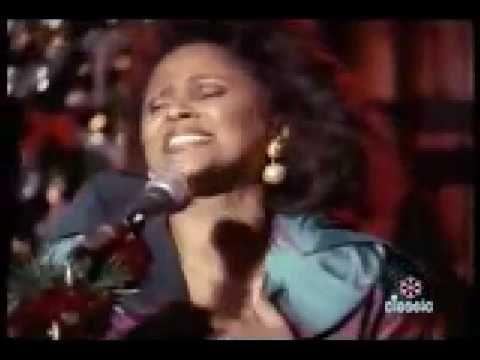All Alone On Christmas - Darlene Love & The E Street Band ♫♫♫♫ JpM ENTERTAINMENT ♫♫♫♫