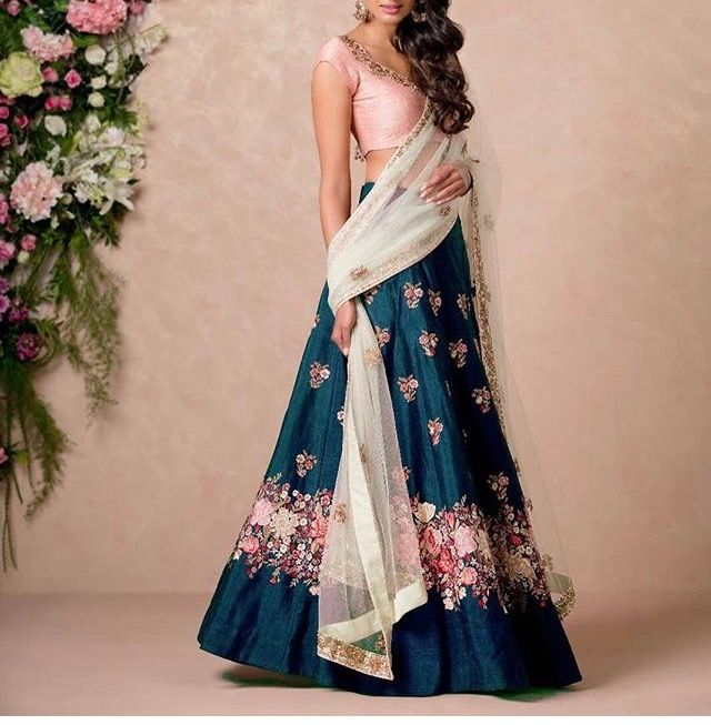 Navy and pink #lehenga for a desi #wedding #indianfashion