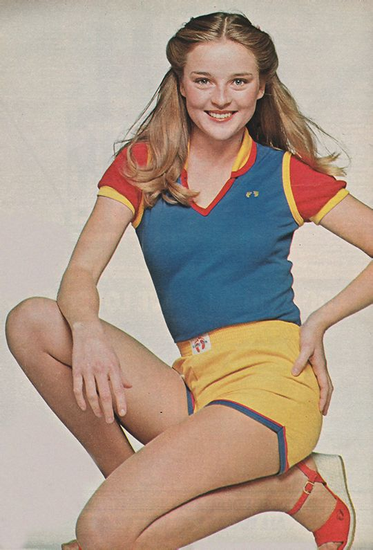 April 1978. 'Now you can wear Hang Ten shoes to match your Hang Ten clothes.' | Just Seventeen