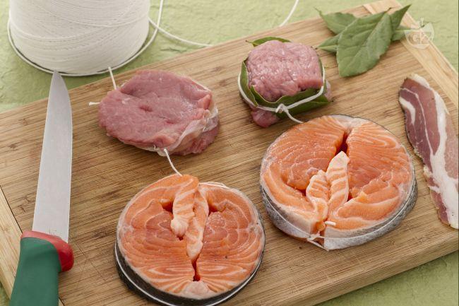 Con la scuola di cucina imparerete a realizzare dei medaglioni di carne o pesce per ottenenere dei piatti raffinati e belli da vedere.