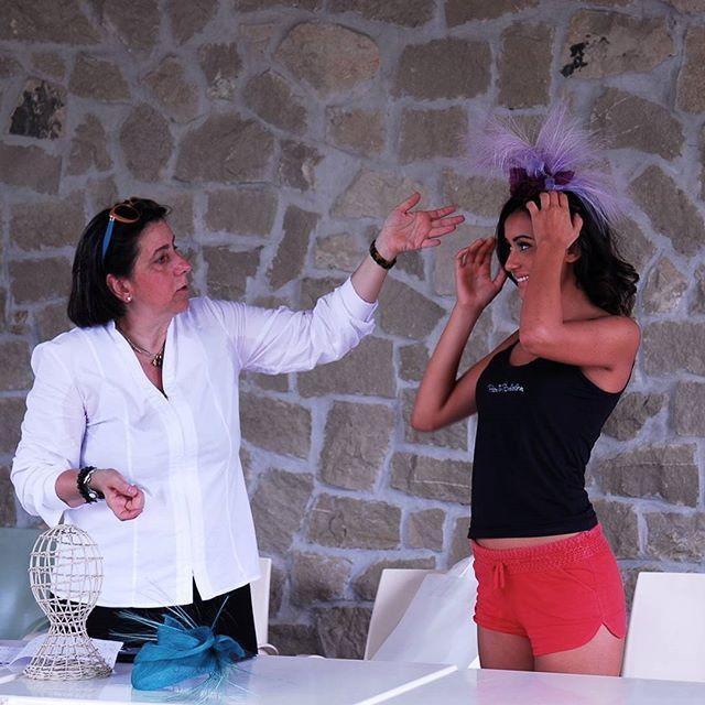 Qui tengo una piccola conferenza alle Miss sul mio lavoro artigianale di modista: esperta e creatrice di accessori da mettere in testa o fra i capelli  #rinaldelli #fiore #seta #fashion #womenfashion #concorso #miss #ragazza #livorno #hatsummer #Toscana #tuscany #moda #street #artigianato #artigian #madeinitaly #arte #artigianatoitaliano #instaitaly_photo #instaitalian #instaitalia #instaitaly_photo #vacanze #bellezza #capelli #instaitalia #instaitaly #italyiloveyou #girl #love #instalike