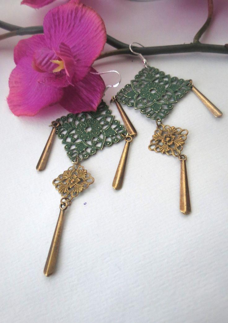 """Belles boucles d'oreilles pendantes d'inspiration chinoise """"牡丹"""" """"Mudân"""" (Pivoine, en chinois) : Boucles d'oreille par perlescence"""
