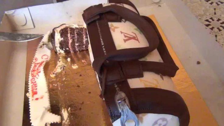 Торт сделан в виде сумки не отличишь