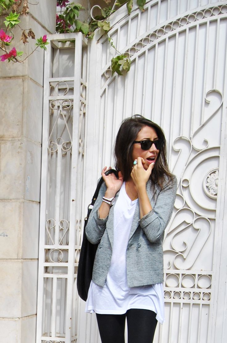 long white tee + blazer + leggings: Outfits, Fashion, White Tees, Style, White Shirts, Grey Blazers, Long White, Black Jeans, T Shirts