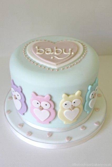 """Bolo PERFEITO, fazer todas as cores pastéis em uma corujinha por vez. rodear o bolo com elas e botar """"Chá de bebê da/o XXXXXX"""" na parte de cima."""