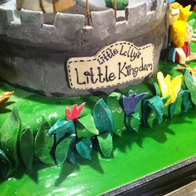 Lauren's 2nd birthday. Ben & Holly cake.