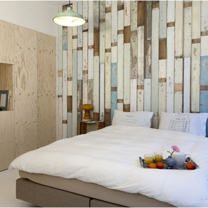 Stained plywood walls bedroom photos plywood wall design for Bedroom designs plywood