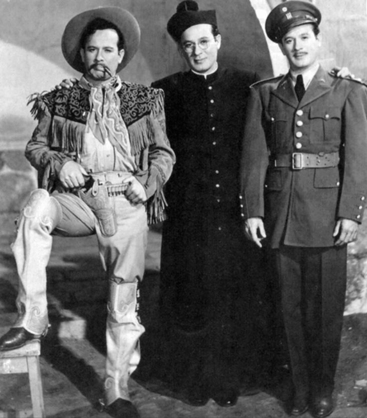 Los Tres Huastecos, shows how amazing of an actor Pedro Infante was. He played triplet brothers with very different personalities.