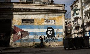 An image of Che Guevara and the slogan 'Always toward victory!' in Havana, Cuba.