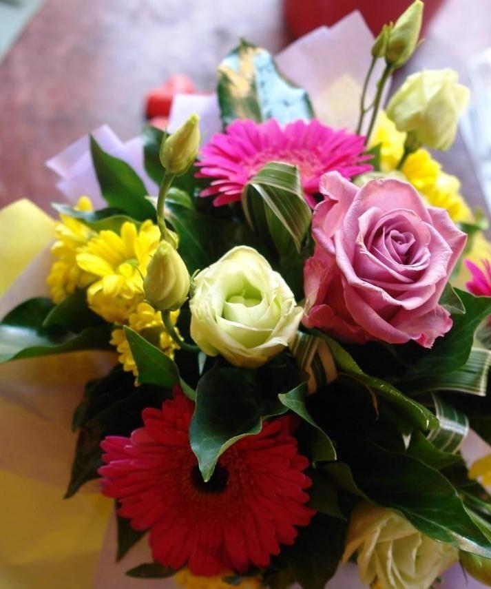 Rózsa, gerbera, szellőrózsa