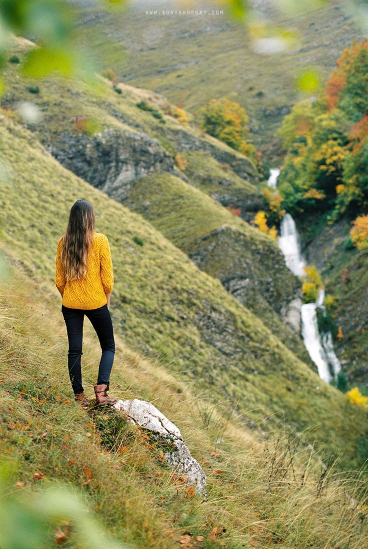 sonyakhegay.com/to-the-north-and-back #mountain #waterfall #autumn #sweater #cozy #hills #lifestyle #sonyakhegay
